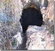 Entradas de las cuevas donde se refugiaron los rebeldes